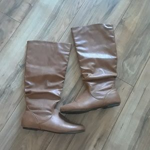 Shoes - boots